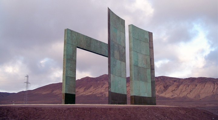 Hito al Trópico de Capricornio. Región de Antofagasta, Chile