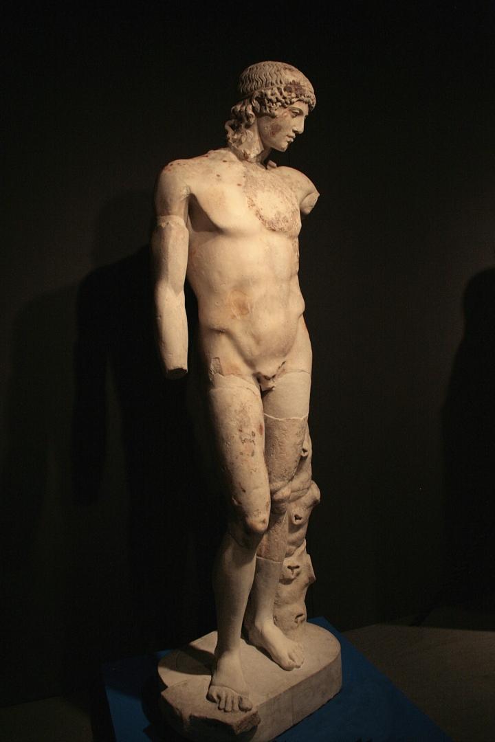 """El llamado """"Apolo del Tíber"""".Mármol, copia romana después de un original griego fechado ca.450 aC,  Museo Nacional de Roma - Palazzo Massimo alle Terme Fidias"""