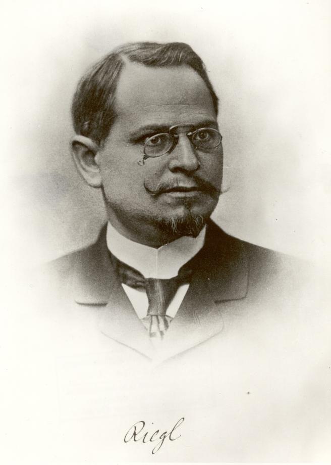 Fotografía de Riegl hacia 1890.