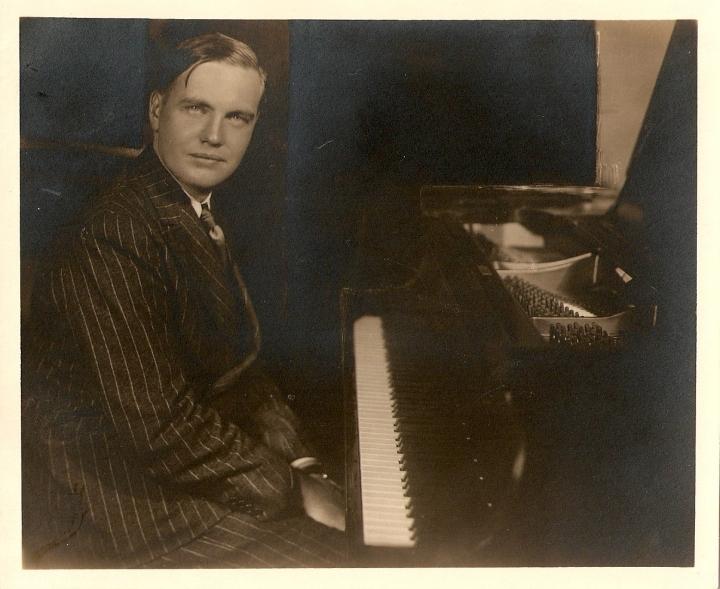 George Antheil, 1932.