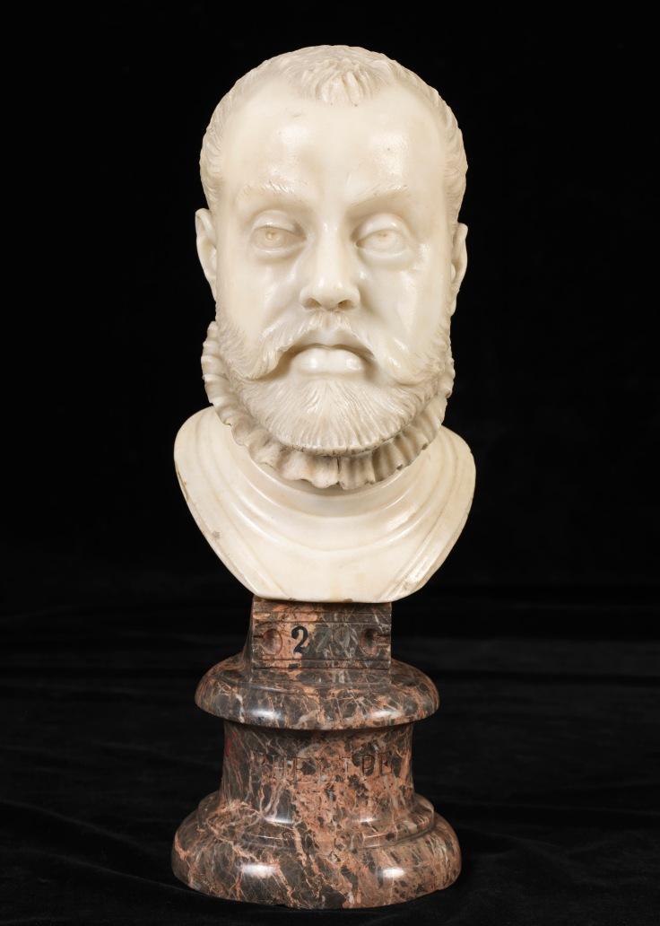 Felipe IIatribuido a Pompeo Leoni sala 4