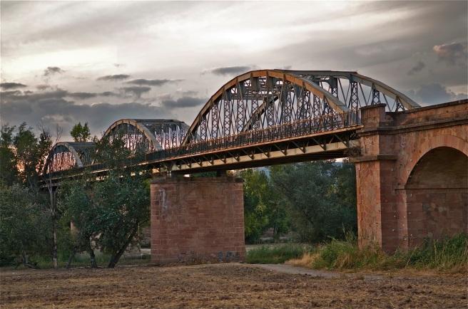 Puente de los tres ojos Villa del Río