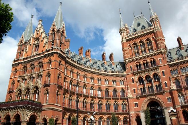 St_Pancras_Renaissance_London_Hotel_2011-06-19