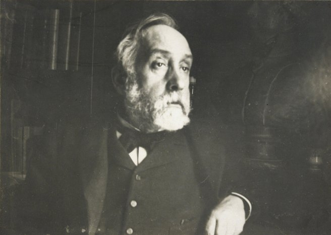 Edgar_Degas_self_portrait_photograph