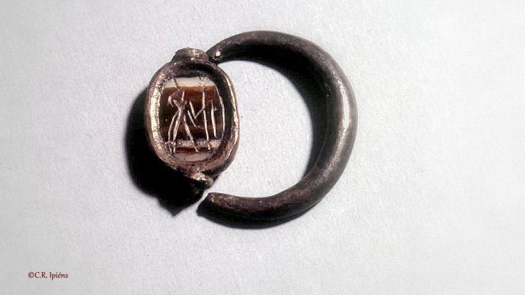 MMA_os_76(15)anillo-con-escarabeo-_lgbnr