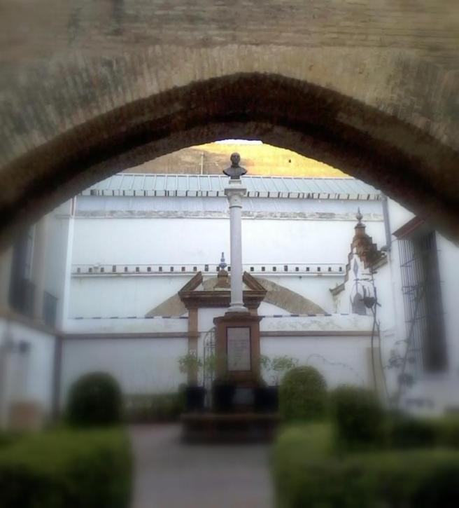 Arco_Atarazanas_Hospital_Caridad_Sevillaa