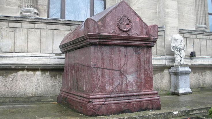 Sarcofago II a