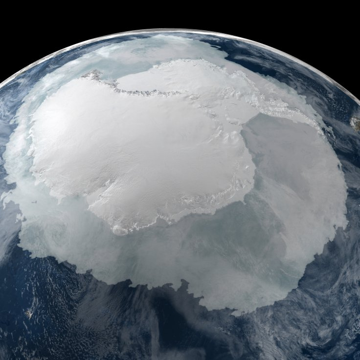 Global_View_of_the_Arctic_and_Antarcticr2
